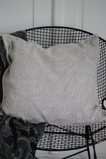 CUSHION - KNITTED GREY/BEIGE - 50x50 CM
