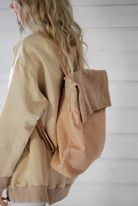 BACKPACK IN LEATHER - NUDE
