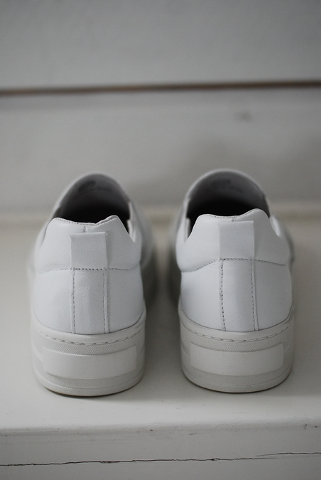 APAIR - SNEAKERS - VITT SKINN