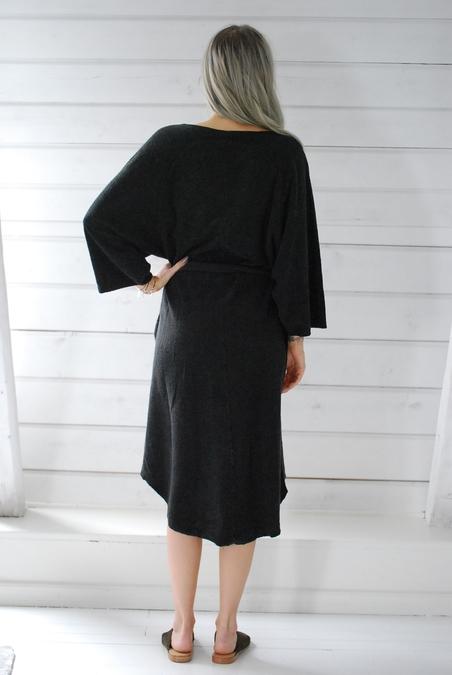 RABENS SALONER - KIMONO DRESS - BLACK