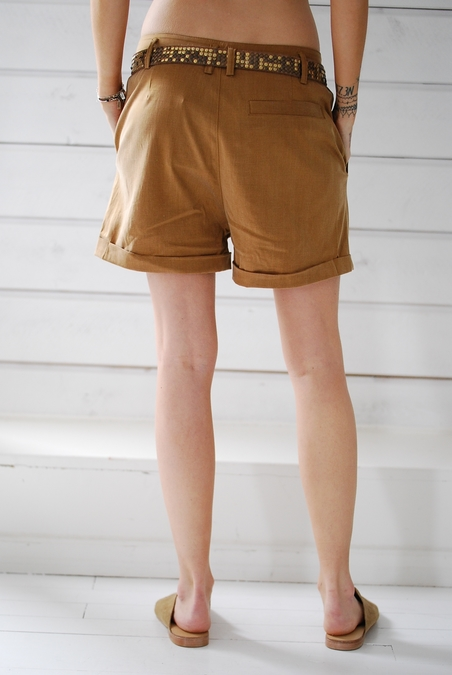 RABENS SALONER - SHORTS - HONEY