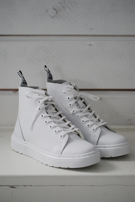 DR MARTENS - HIGH SNEAKERS - WHITE