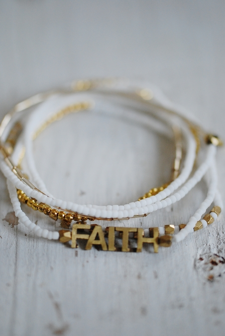 ICON - FAITH 6 WRAP SRETCH BRACELET - WHITE