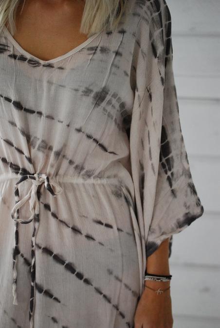 UNMADE - KIMONO DRESS - SAND