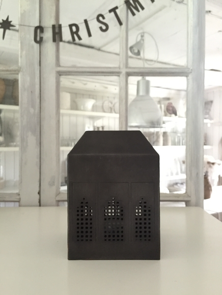DAY HOME - METAL HOUSE - TEALIGHT HOLDER - SMALL
