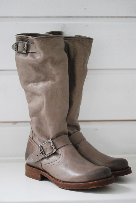 FRYE BOOTS - SLOUCH - GREY