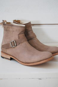 MUNDERINGSKOMPAGNIET - CELESTE LOW BOOT - MARROW