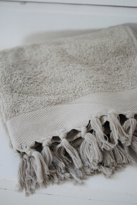 DAY HOME - FRINGE TERRY TOWEL - NOT WHITE