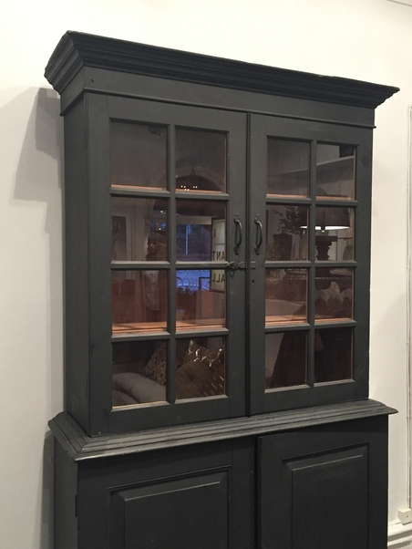 UNIQUE VINTAGE CABINET - BLACK