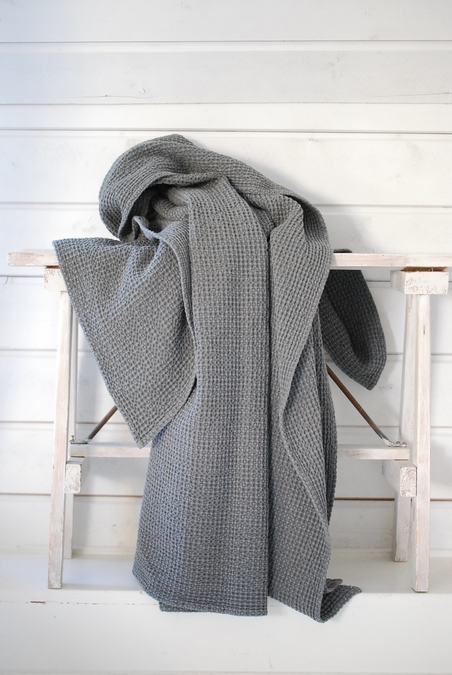 TELL ME MORE - BLANKET - DARK GREY