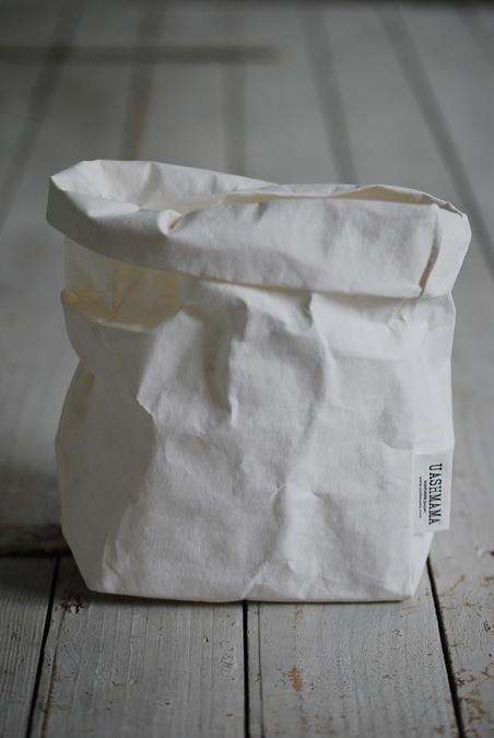 UASHAMA - PAPERBAG - WHITE M