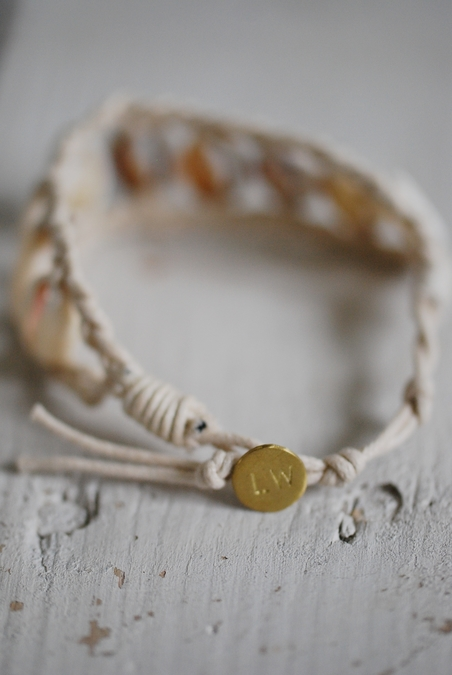 LOVE WARRIORS - NORI SHELL BRACELET