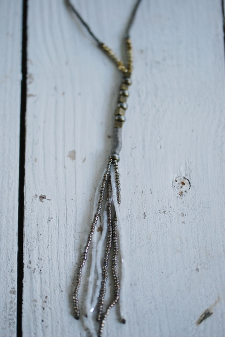 ICON - BEAD TASSEL NECKLACE - WHITE
