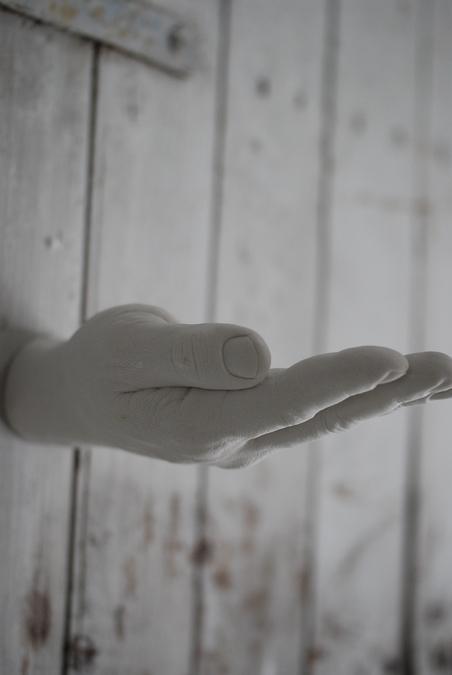 AREAWARE - OFFER HAND HOOK