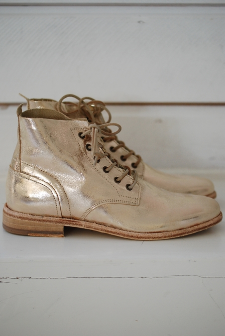 BOOTS - GOLD