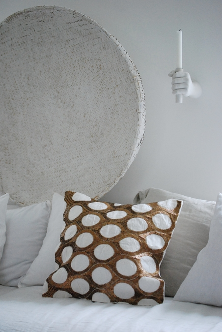 DAY HOME - OVAL CUSHION COVER - WHITE